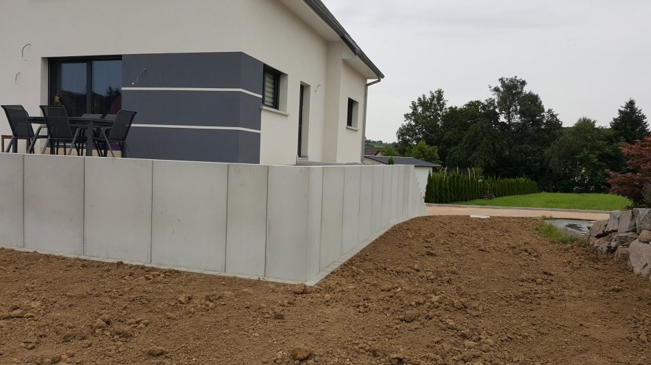 Mur de sout nement ozalptp am nagement ext rieur for Construction de maison de niveau